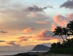 Classic Hawaiian sunset around Oahu