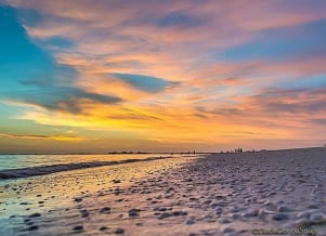 A beautiful sunset along  Ft Myers Beach