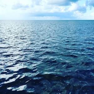 The deep blue sea of the Keywest island