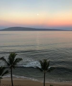 Sunrise moon set on Lanai Hawaii